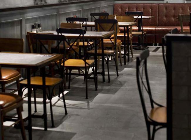 品森家具与海岸城小龙虾桌椅定制案例