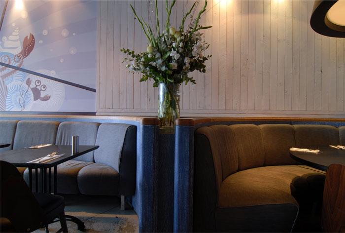 品森家具与  以色列复古风格的海鲜餐厅家具定制设计空间欣赏