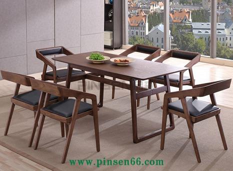北欧实木餐桌3