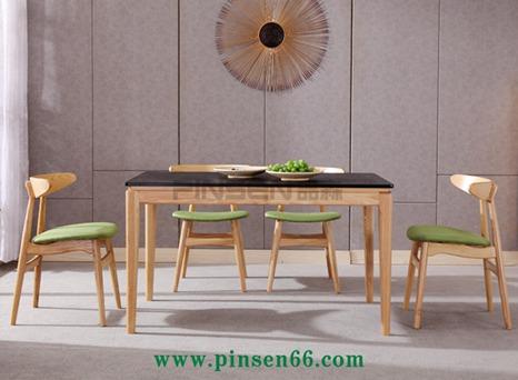 北欧实木餐桌4