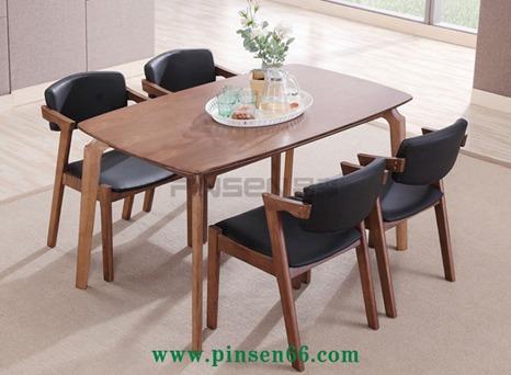 北欧实木餐桌7