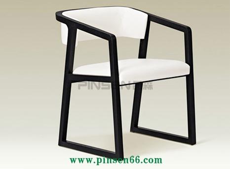 现代简约餐椅 北欧风主题餐厅实木椅子 咖啡厅酒