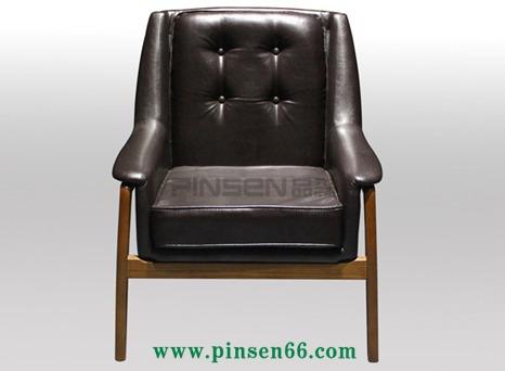 咖啡厅休闲场所实木椅子 简约实木PU皮软包餐椅