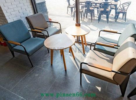 主题咖啡厅桌椅