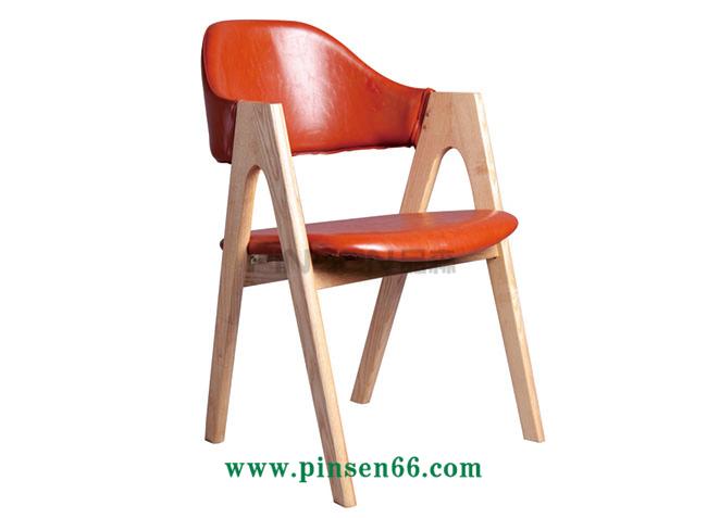 A字软包实木餐椅