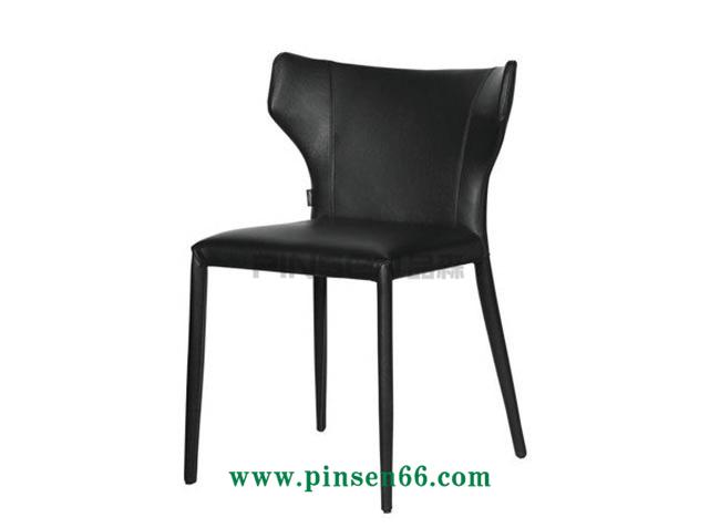 铁艺软包餐厅桌椅