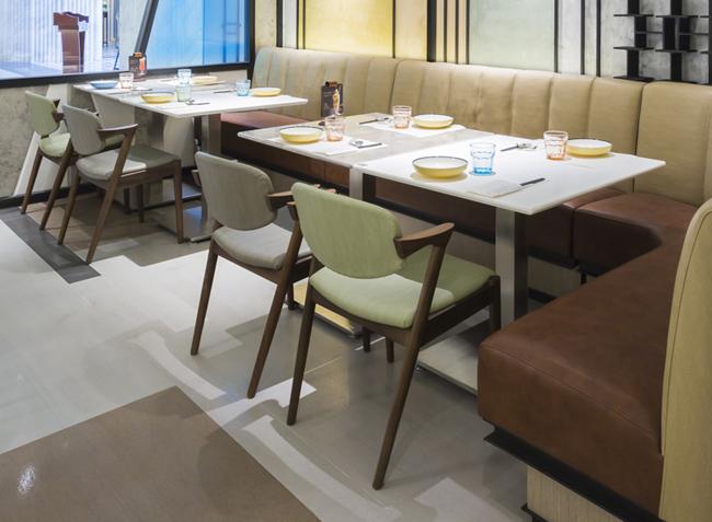 港丽茶餐厅餐桌餐椅定制