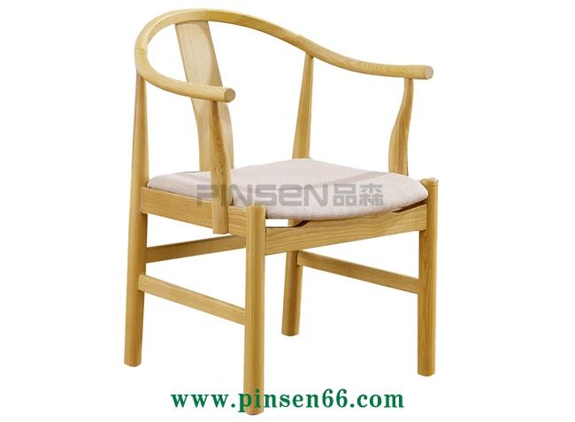 带扶手北欧实木椅-北欧餐桌椅定制厂家