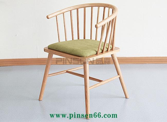 实木U形靠背格栅布艺软包火锅餐桌椅