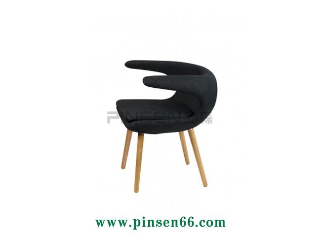 创意实木软布包休闲咖啡厅餐桌椅