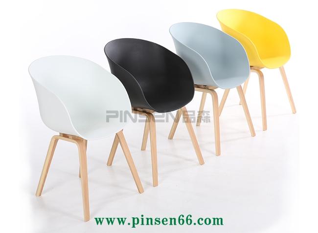 北欧带扶手时尚简约实木咖啡厅餐桌椅组合