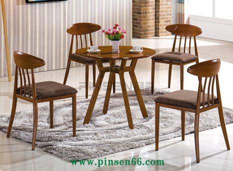 品森餐饮家具款式新颖,质量很好